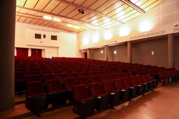 cineteatro-gavazzeni-seriate-noleggio-sala-booking-theatre